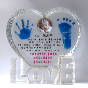 Swiss baby baby hundred days birthday gift souvenir crystal hand footprints hand and foot prints custom diy