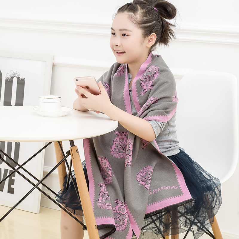 The new children's scarf cashmere scarf korean version of the fall and winter boys and girls boys and girls fashion scarf cold