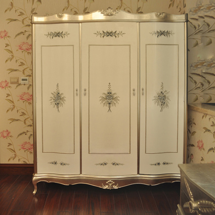 The new classical european solid wood furniture french carved gold foil senior clubs villa upscale custom wardrobe