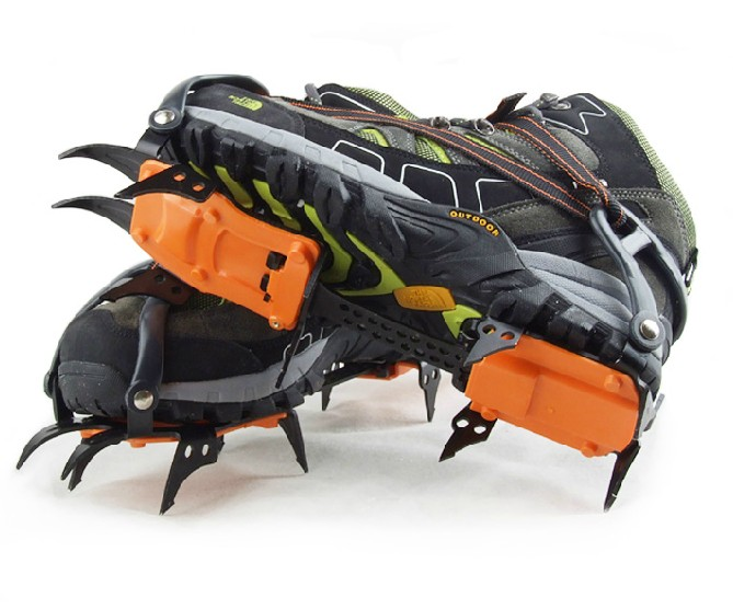 The new improved ten teeth crampons outdoor strengthen professional climbers climbing ice skid shoe crampons