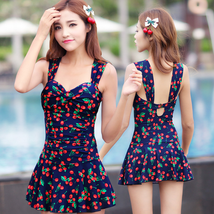 The new piece skirt swimsuit cover was thin belly conservative female boxer swimsuit steel prop gather small chest hot springs bathing suit