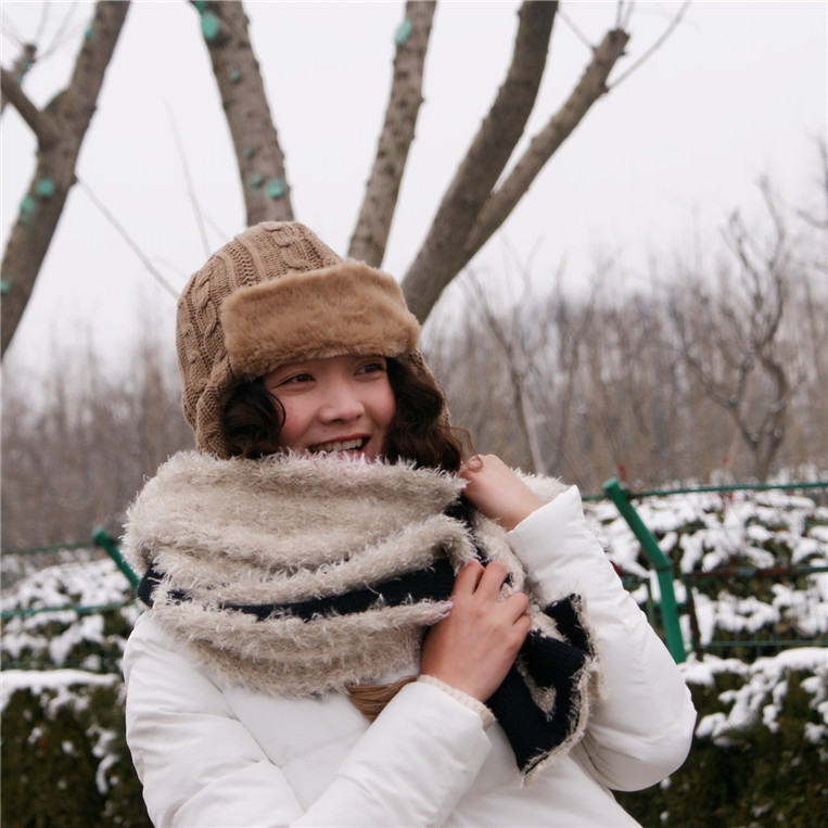 The new south korean autumn and winter wool scarves korean thick warm long knitted scarf female tide models warm