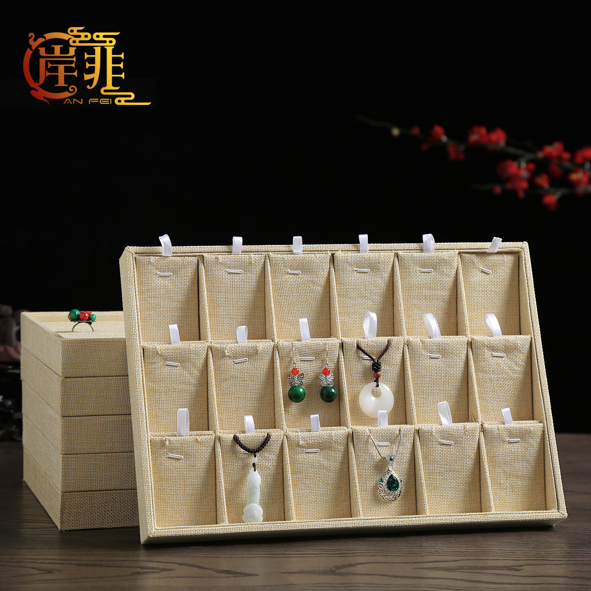The other side of the non linen jewelry tray jewelry box jewelry display tray jewelry jade pendant necklace hanging ring earring storage box