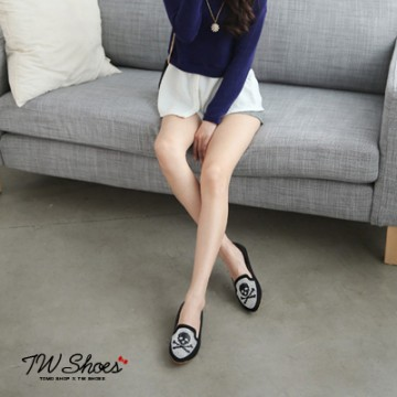[Tw] skull rhinestone flat shoes baoxie ã K120A1749] taiwan's official website direct mail import