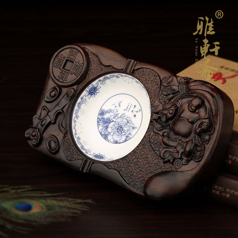 Tz fast mahogany wood chinese blue and white porcelain ceramic ashtray large ebony wood ashtray fashion creative personality