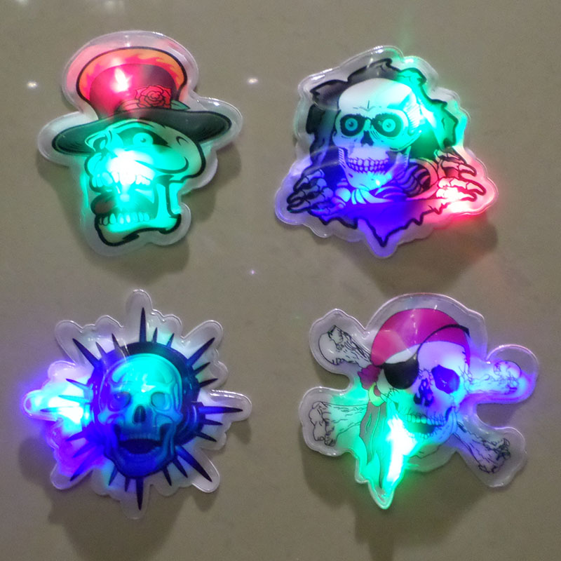 Xi bao halloween flash brooch luminous badge chest paste kindergarten ktv bar halloween decoration props shipping
