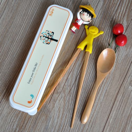 Free shipping! dream tree box portable wooden spoon feeding children fragrant wood chopsticks practice student meal with suit