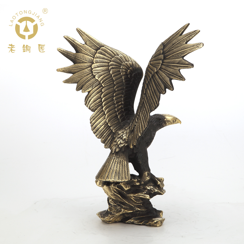 Old coppersmith copper ornaments eagle wings eagle pengchengwanli office furnishing business meetings gifts sale