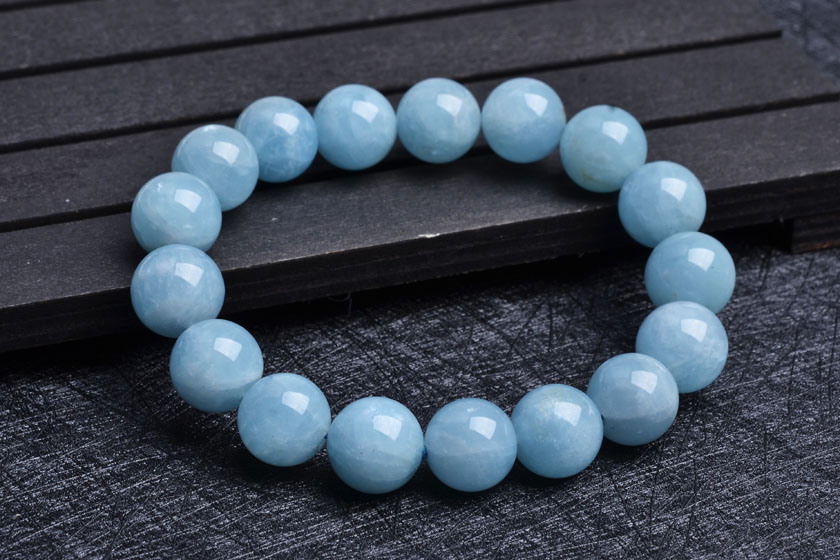 According to chang variety of natural crystal aquamarine bracelet large particles marine atmosphere blue section bracelets