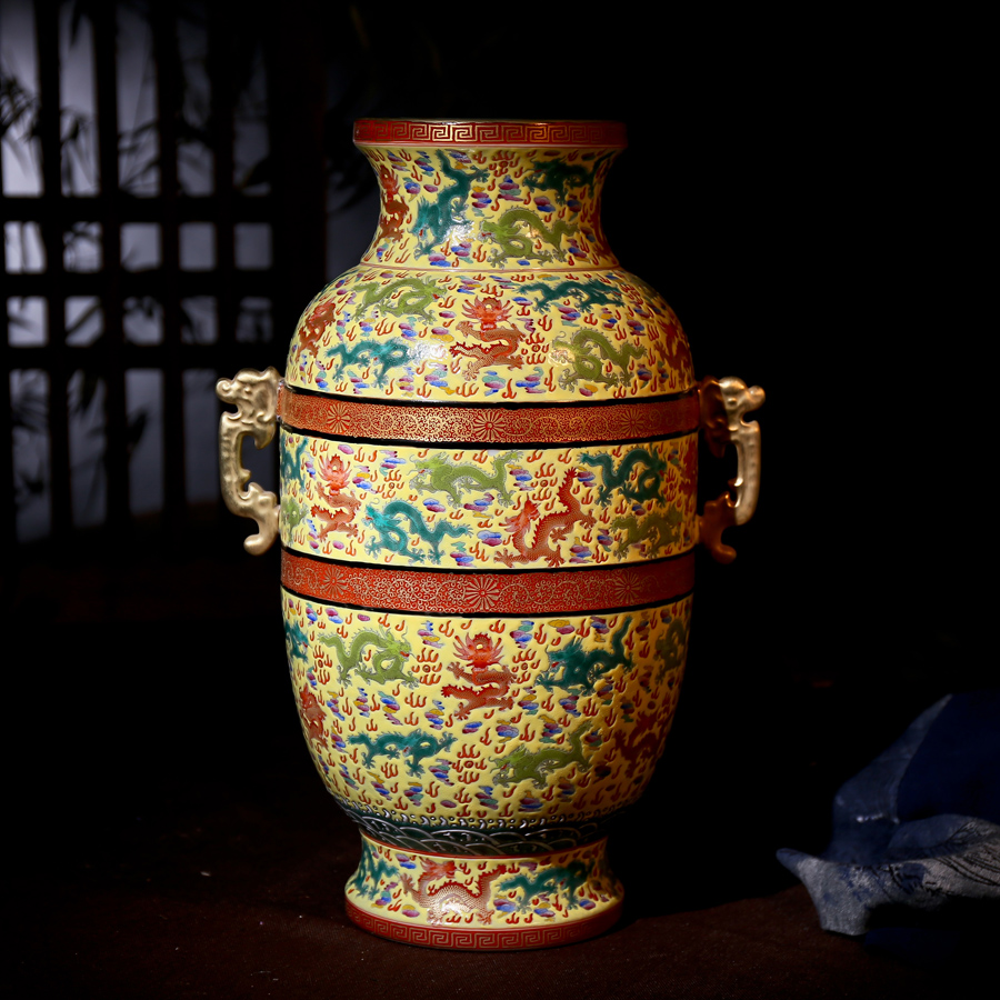 Antique ming and qing classical chinese exhibition shelf ornaments painted pastel jingdezhen porcelain collection to do the old porcelain