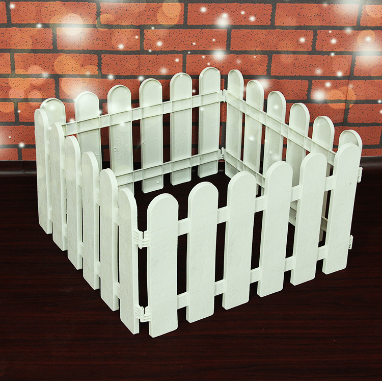 Christmas decorations christmas tree fence can be spliced plastic fence fence fence fence christmas scene accessories decorations