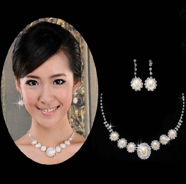 Colourful makeup park 2015 new diamond necklace bride wedding jewelry necklace earrings wedding