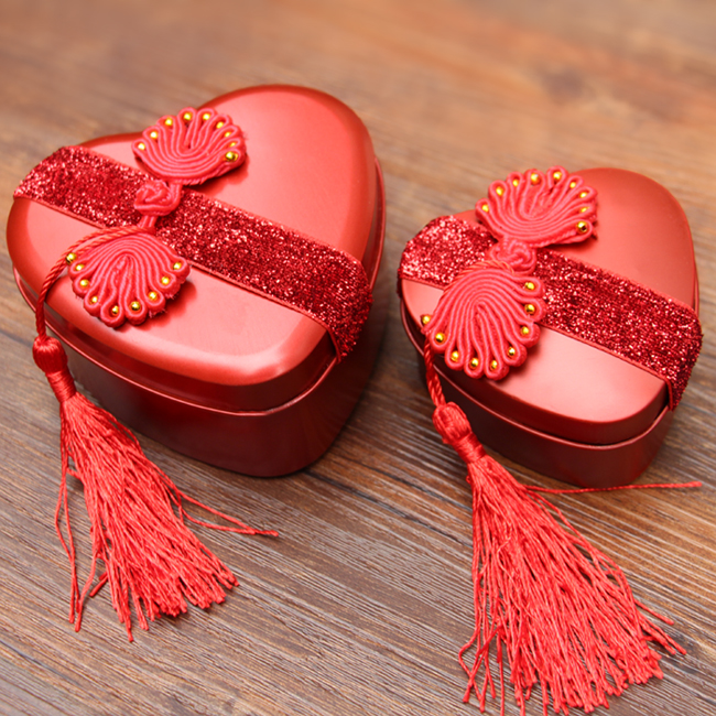 Creative heart love candy box red tin box wedding ceremony candy box wedding supplies wedding dress buckle