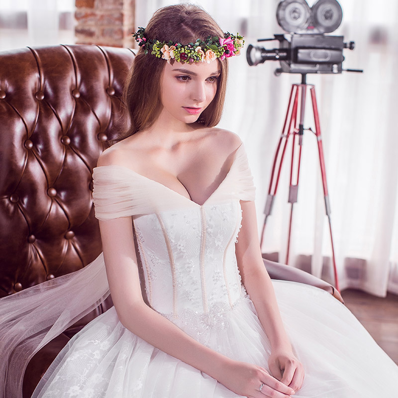 Door of the bride word shoulder wedding korean bride lace wedding dress was thin spring and summer customized 2687
