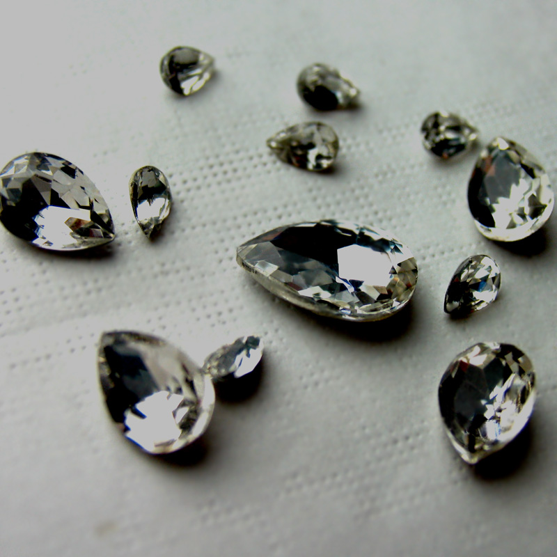 Droplets type white transparent glass diamond shaped bottom tip drill nail stickers diamond drill accessories material