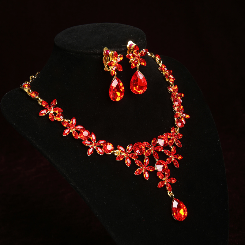 European poetry aissah pingdi yao. red diamond necklace bride wedding dress with jewelry earrings earrings piece