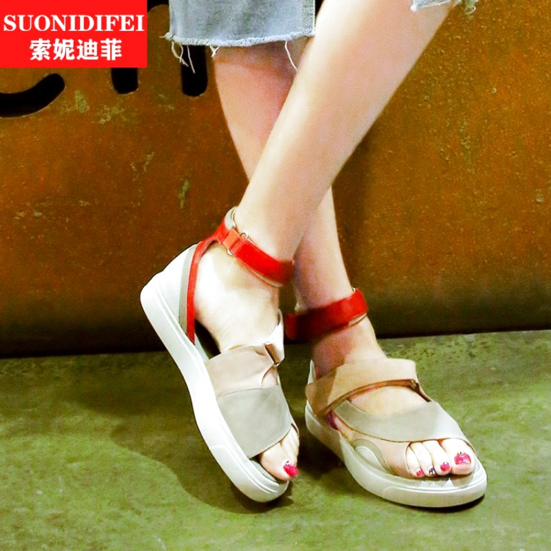 Flat with rubber rub skin color spell color korean fashion fish head female summer new european leg of the roman shoes sandals shoes