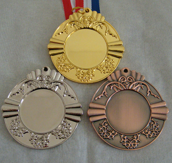 Football games kindergarten marathon medal medal sport metal gold and silver copper small medal custom made to order