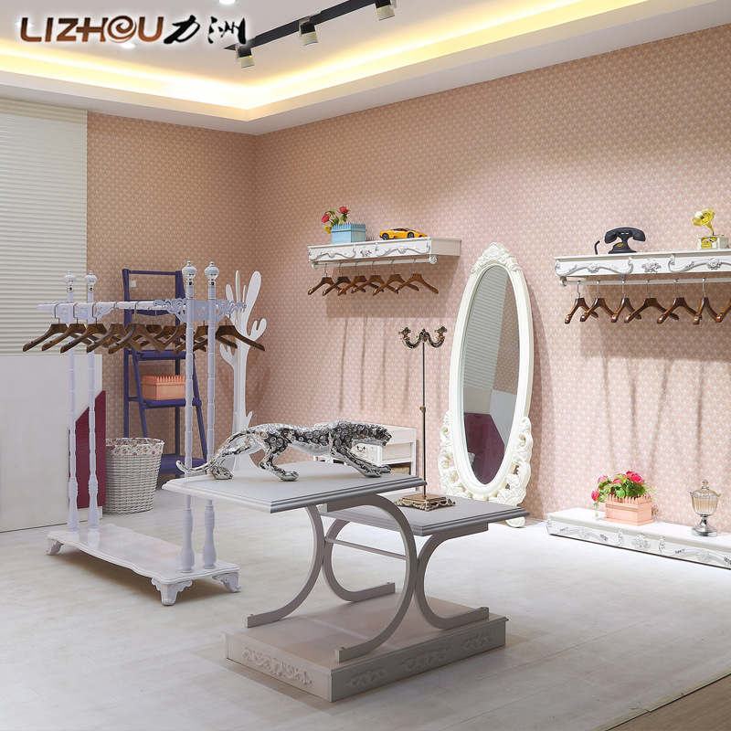 Force chau fashion vintage wood hangers clothing store display rack clothing rack clothing display floor against a wall in the island Aircraft