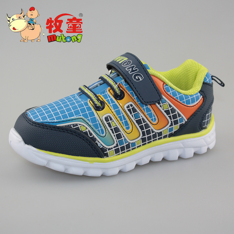 Free shipping authentic cowboy shoes spring models male children ultralight waterproof outdoor leisure sports shoes shoes 12520