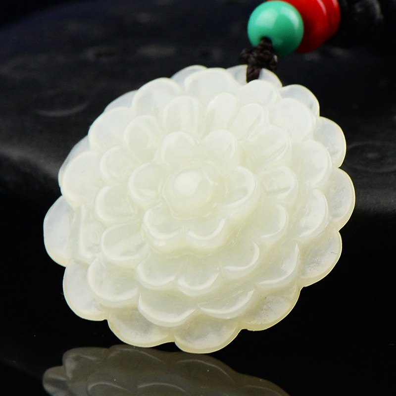 Golden jade industry natural jade and nephrite jade simoniir clean white flower pendant pendant to send the certificate