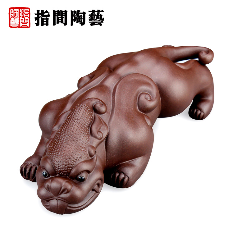 Interphalangeal pottery masters large handmade yixing tea pet boutique tea play sculpture ornaments lucky brave