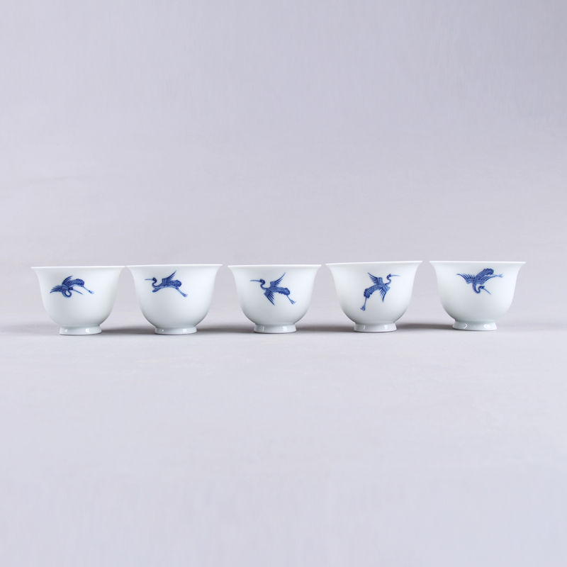 Jade spring hill blue and white jingdezhen ceramic kung fu tea cup painted eggshell porcelain cup personal tea cup handmade goods