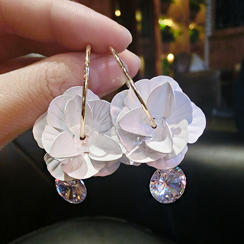 Japan and south korea korean wild personality ms. white three-dimensional flowers sweet temperament ear buckle earrings earrings jewelry