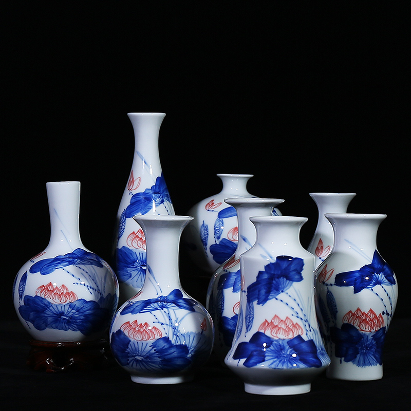 Jingdezhen ceramic vase ornaments painted blue and white flowers into the living room minimalist modern home living room den crafts