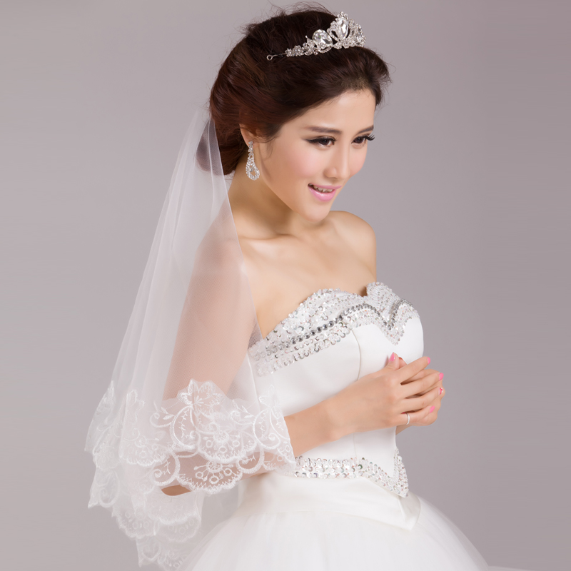 Korean bridal veil lace long veil trailing veil wedding dress wedding dress with a long section of decorative
