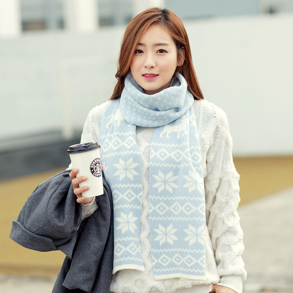 Korean version of the classic snowflake christmas deer thick warm winter wool scarf around the neck south korean female winter scarf