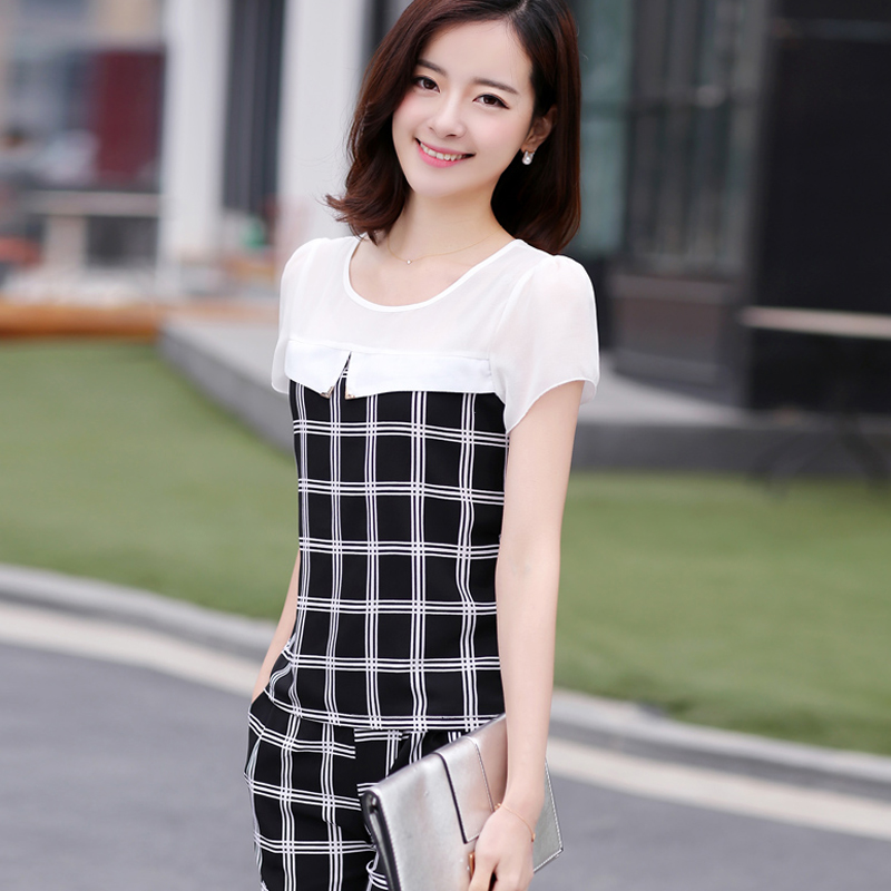 Leisure sports suit female summer plaid black and white striped chiffon shirt was thin big yards short sleeve pant piece tide