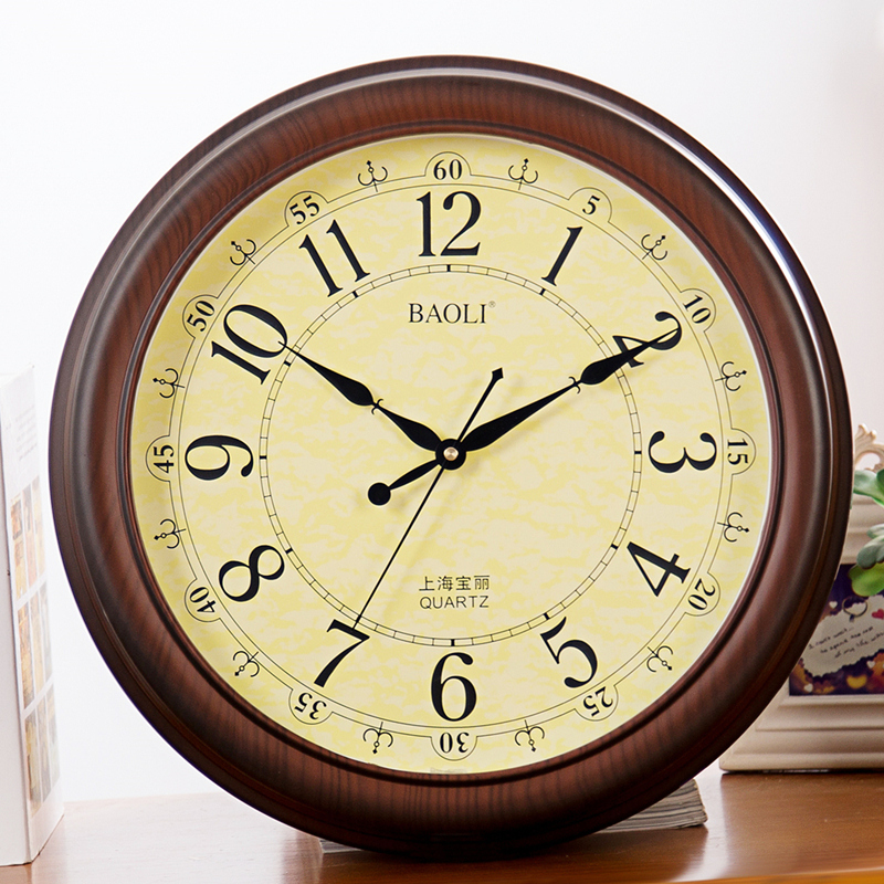 Polaroid upscale european american retro imitation wood wall clock creative watches fashion living room wall charts mute round
