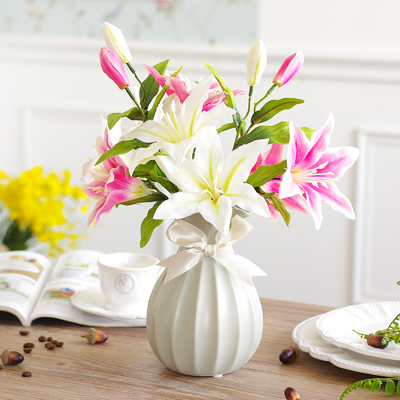 Simulation Lily Flower With A Small Vase Suit Artificial Flowers Artificial  Flowers Overall Floral Ornaments Floral