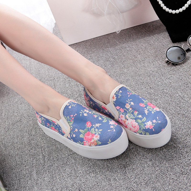 Spring korean version of the shallow mouth of a pedal loafers women flat shoes student shoes wild college wind floral canvas shoes