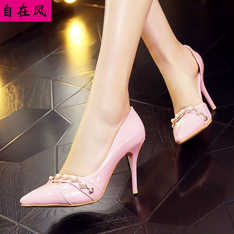 Spring new korean version of pointed shoes sparkling diamond high heels wedding shoes bridal shoes hollow breathable shoes to help low