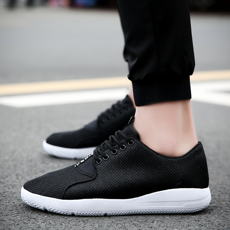 Summer mesh breathable casual sports men shoes cloth shoes mesh shoes korean fashion wild influx of students running shoes in summer