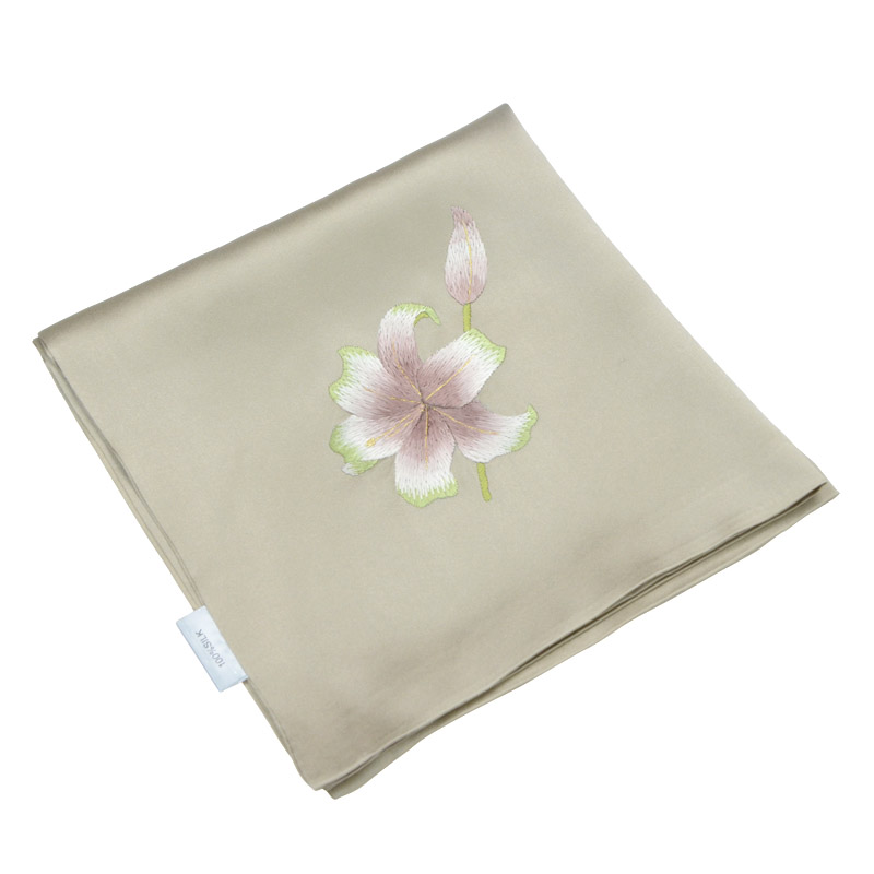 The name of the ancient art of hand embroidery small silk handkerchief silk handkerchief female 2016 spring and autumn