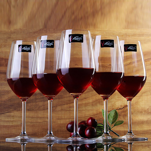 Unleaded glass of red wine crystal glass of bordeaux wine glass of wine with a glass of red wine glass goblet cup six suits
