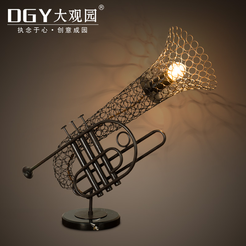 Wrought iron table lamp creative personality retro industrial wind loft restaurant cafe bar lamp lights with lamp saxophone