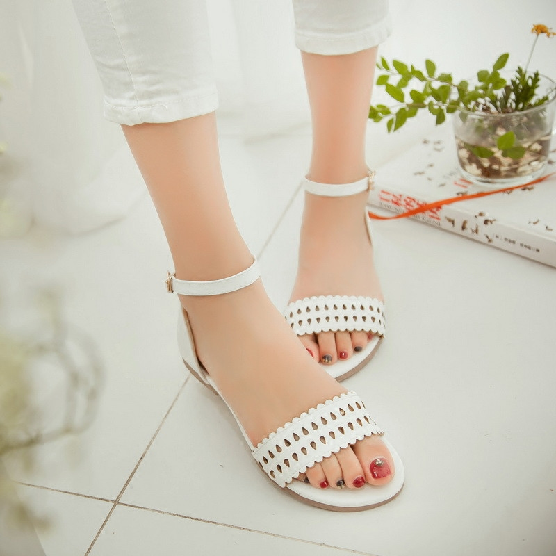68eb60d7b436 Buy Summer wild big boy junior high school girl student shoes flat heels flat  shoes women shoes sandals girls sandals 15 years old shoes in Cheap Price  on ...
