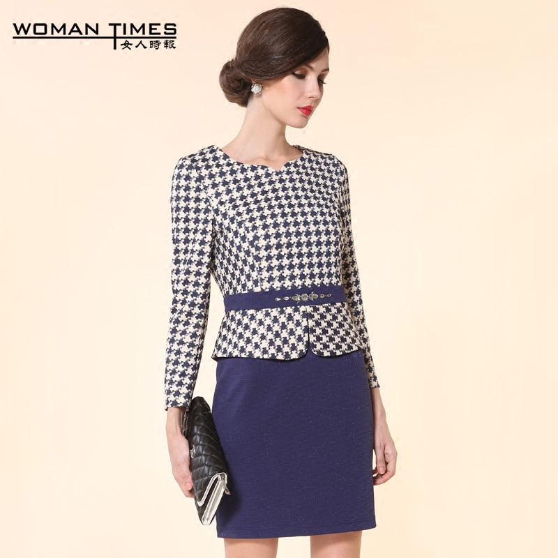 Houndstooth new large size middle-aged mother dress long sleeve dress woman times repair body round neck package hip skirt 8825